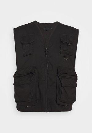 NADUKE - Vest - black