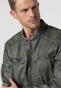 Nils Sundström - Leather jacket - grün - 2