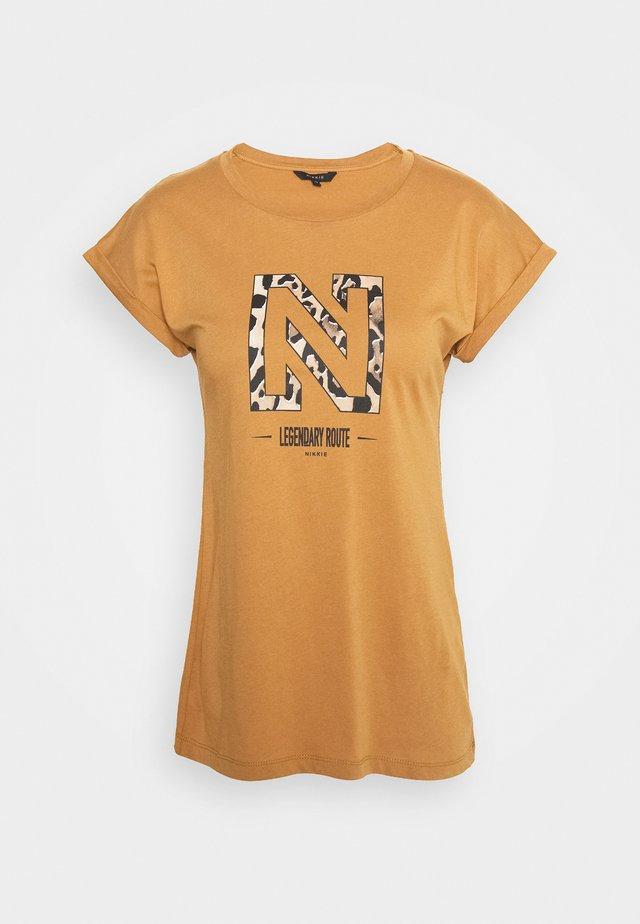 LEGENDARY - Print T-shirt - desert
