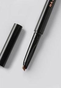 NKD/BTY - EYEBROW PENCIL - Eyebrow pencil - brown - 1