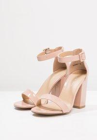 New Look - RICHES - Sandaler med høye hæler - oatmeal - 4