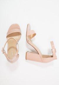 New Look - RICHES - Sandaler med høye hæler - oatmeal - 3