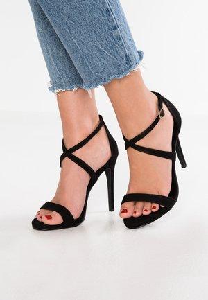 SARINA - Korolliset sandaalit - black