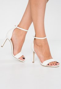 New Look - ROCKET - Korolliset sandaalit - white - 0