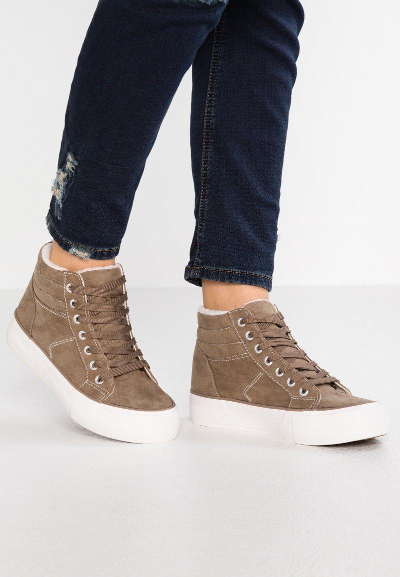 New Look - MURLY - Vysoké tenisky - light brown