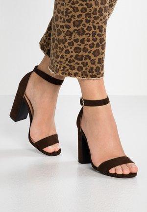 SWAGGLE  - Højhælede sandaletter / Højhælede sandaler - mid brown