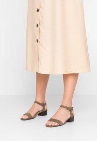 New Look - ORIGIN - Sandaler - dark khaki - 0