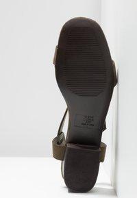 New Look - ORIGIN - Sandaler - dark khaki - 6