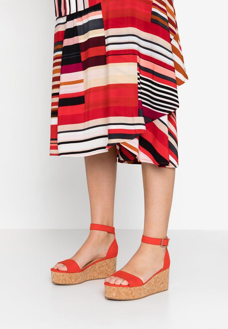 New Look - POW - Korkeakorkoiset sandaalit - bright orange