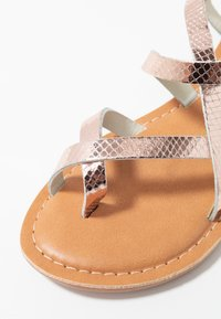 New Look - HAMMOCK - T-bar sandals - rose gold - 2
