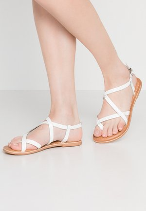 HAMMOCK - Sandály s odděleným palcem - white