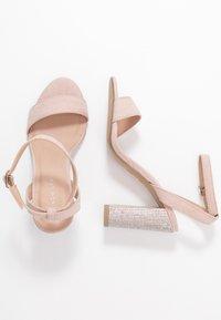 New Look - SIBLING - Sandály na vysokém podpatku - oatmeal - 3