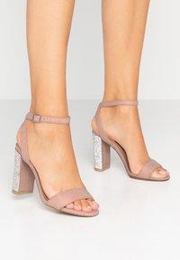 New Look - SIBLING - Sandály na vysokém podpatku - oatmeal - 0