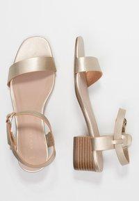 New Look - ORIGIN - Sandalias - gold - 3