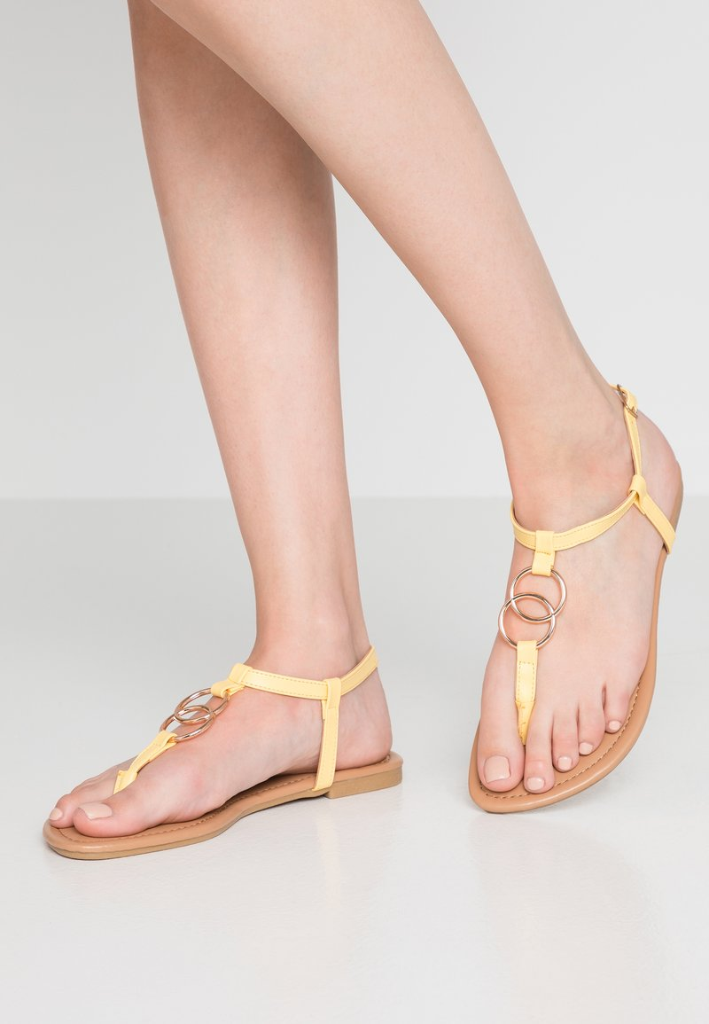 New Look - HOOPY - Zehentrenner - light yellow