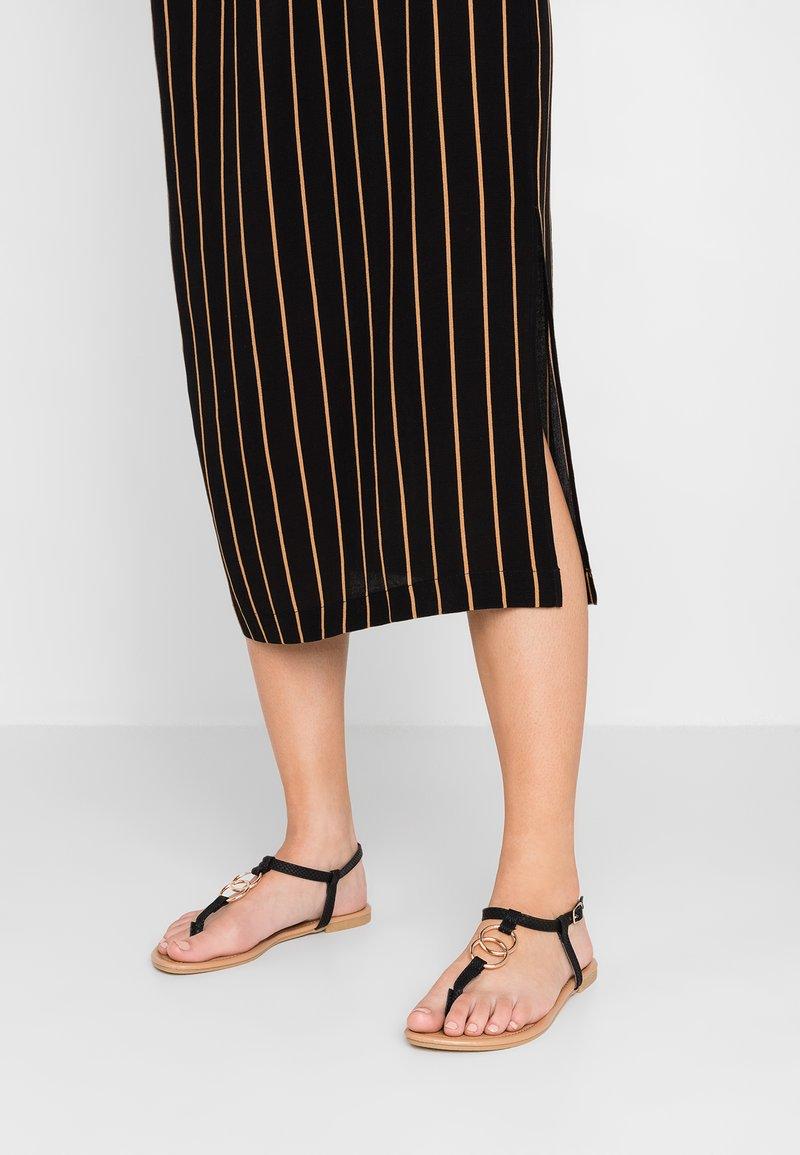 New Look - HOOPY - Sandály s odděleným palcem - black