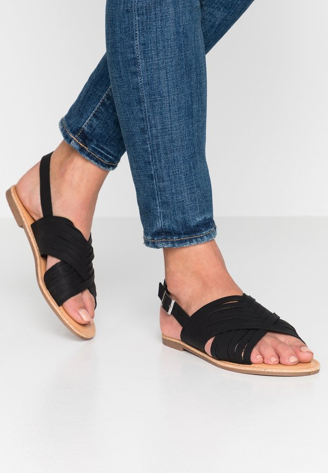 FISHTAIL - Sandalen - black