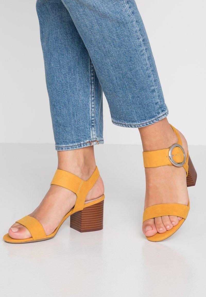 New Look - COMFORT POTTER - Sandaler - dark yellow