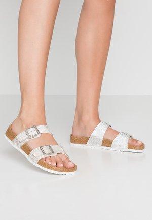 FLING - Domácí obuv - silver