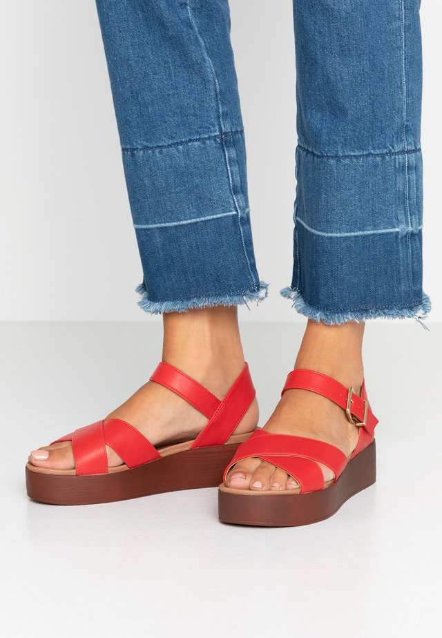 FIR - Sandalen met plateauzool - red