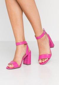 New Look - RICHARD - Sandalen met hoge hak - bright pink - 0