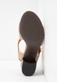 New Look - PARADISE - Sandals - oatmeal - 6