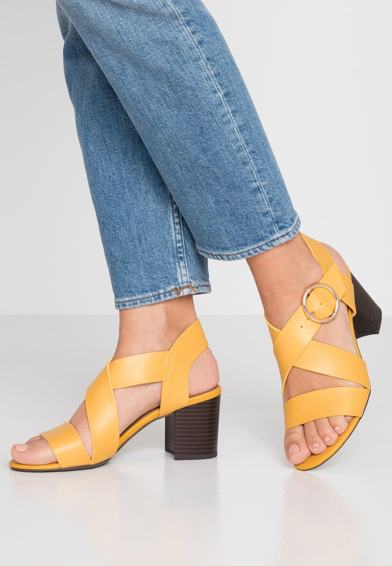 New Look - PARADISE - Sandalias - bright yellow
