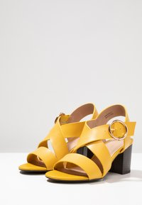 New Look - PARADISE - Sandals - bright yellow - 4