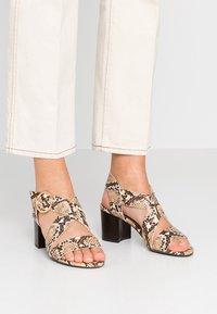 New Look - PARADISE - Sandalias - brown - 0