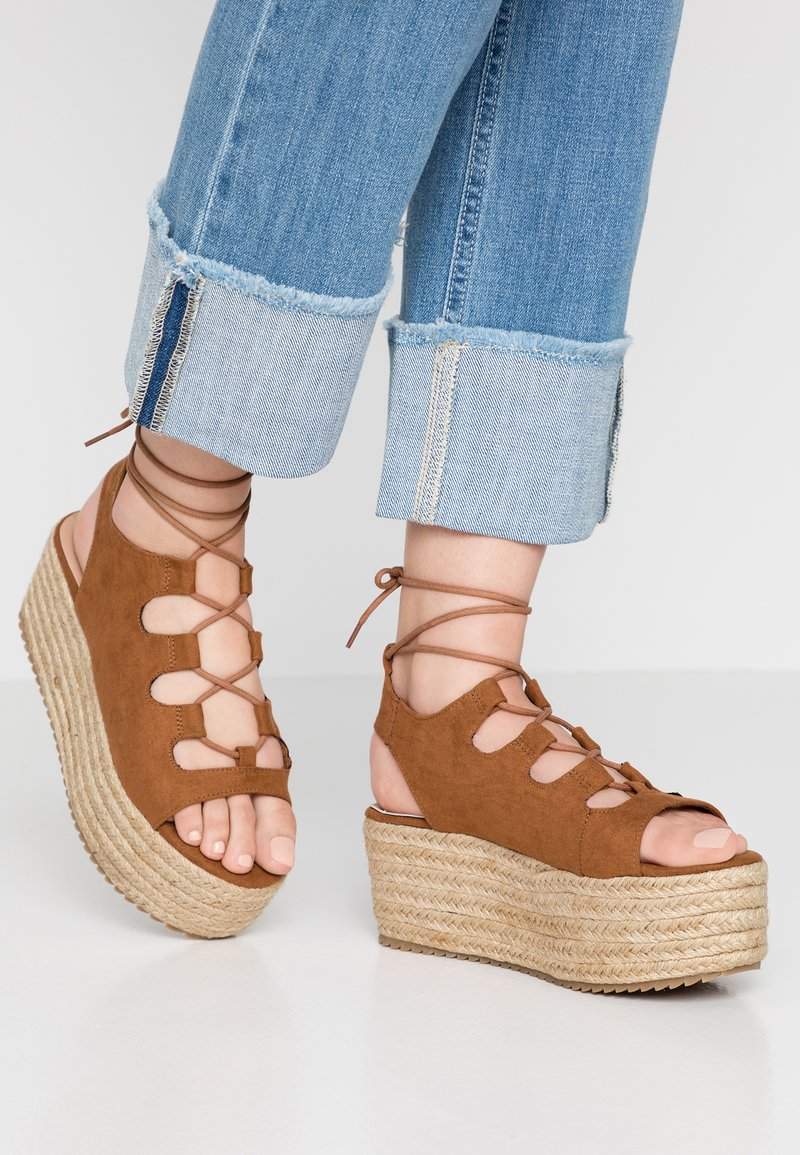 New Look - PACE - Plateausandalette - tan