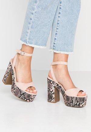SCARED - Sandály na vysokém podpatku - oatmeal