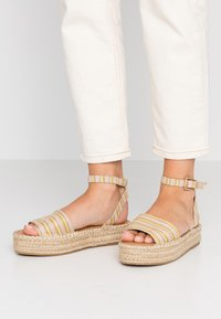 New Look - HAPPYHOUR  - Platform sandals - orange/yellow - 0