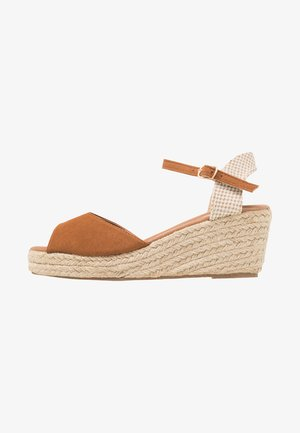 PAT - Platform sandals - tan