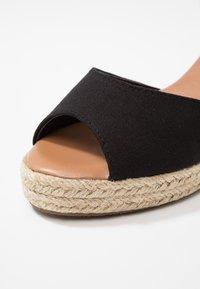New Look - PAT - Sandály na platformě - black - 2