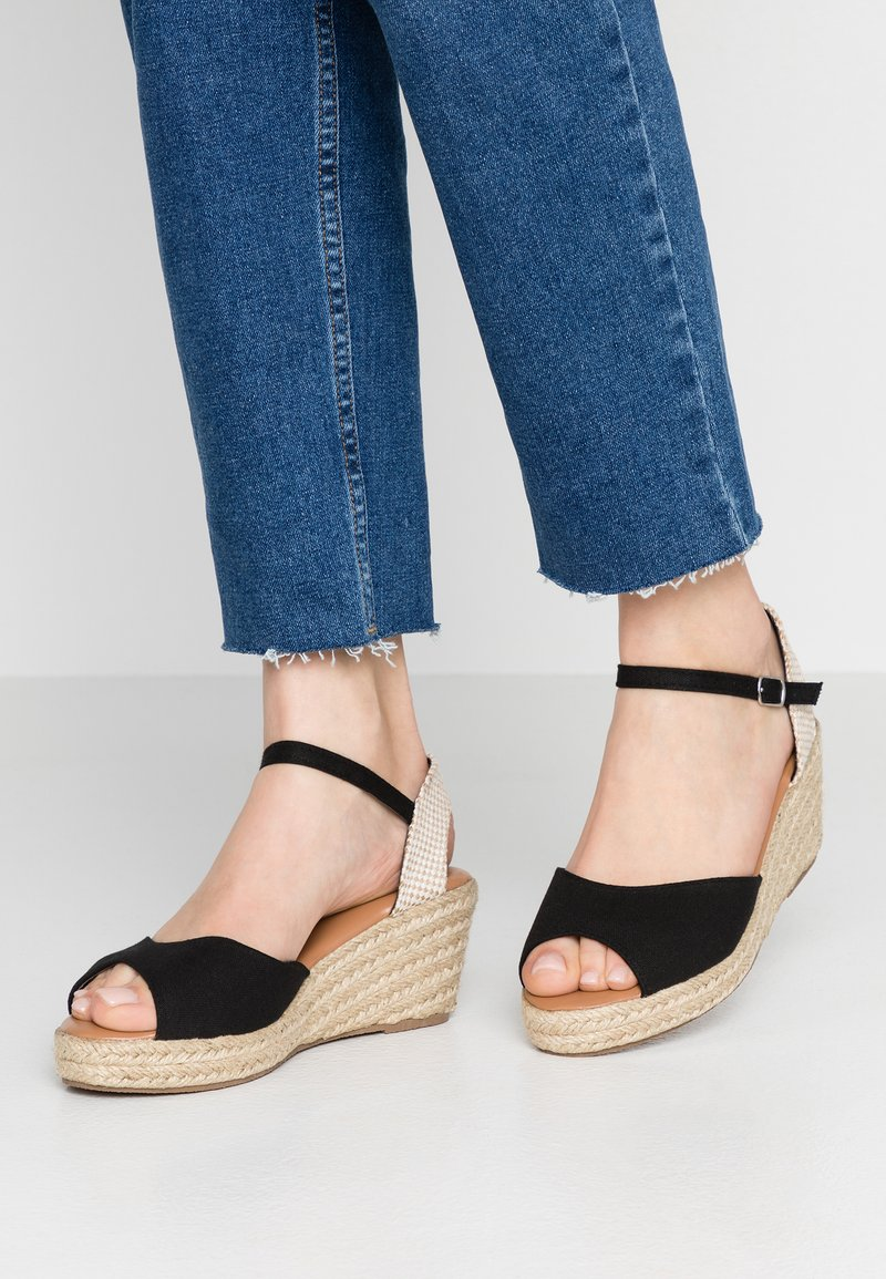 New Look - PAT - Sandály na platformě - black