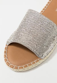New Look - FIAMI - Mules - silver - 2