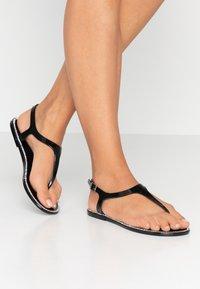 New Look - Sandály s odděleným palcem - black - 0