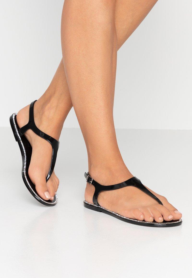 New Look - Sandály s odděleným palcem - black