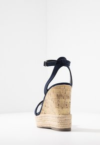 New Look - OTTER - Sandály na vysokém podpatku - navy - 5