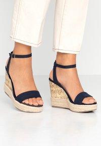 New Look - OTTER - Sandály na vysokém podpatku - navy - 0