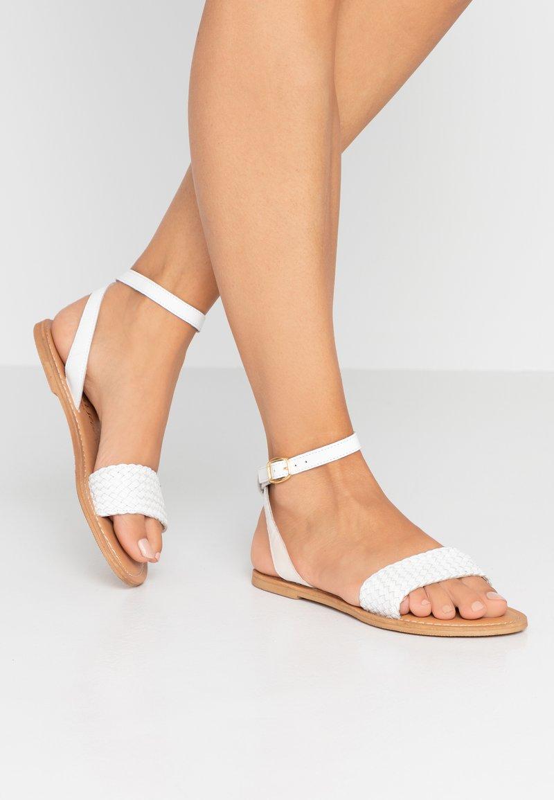 New Look - HOLLY - Sandaalit nilkkaremmillä - white