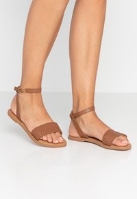 New Look - HOLLY - Sandals - tan - 0