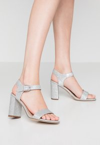 New Look - VIMS - High heeled sandals - silver - 0