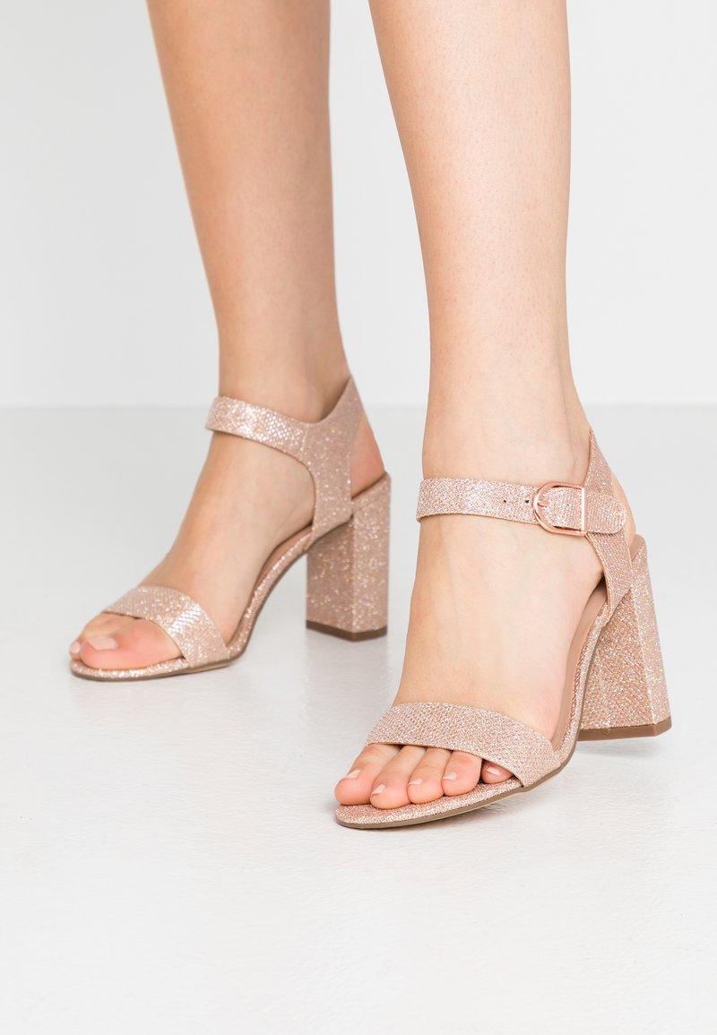 New Look - VIMS - Sandales à talons hauts - rose gold