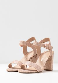 New Look - VIMS - Sandales à talons hauts - rose gold - 4