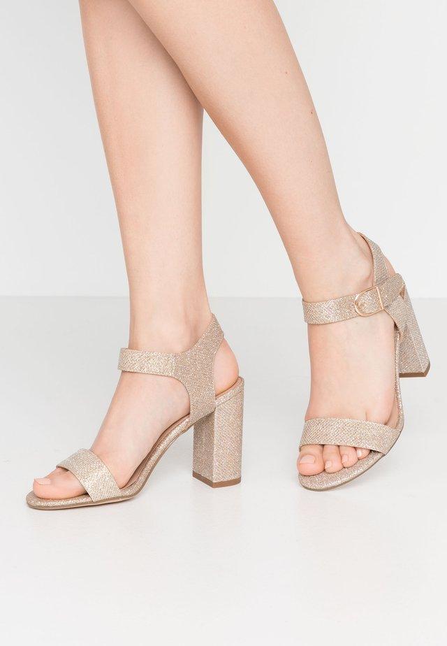 VIMS - Sandály na vysokém podpatku - gold