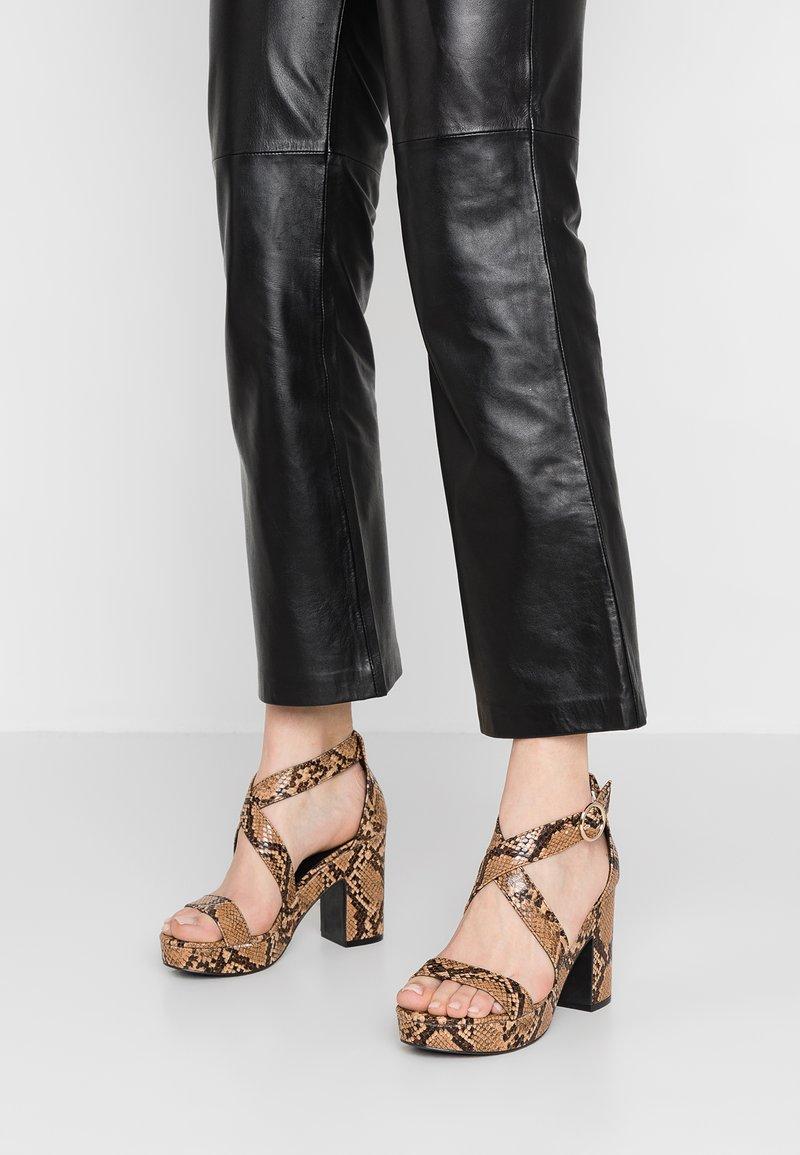 New Look - SIROK - High Heel Sandalette - brown