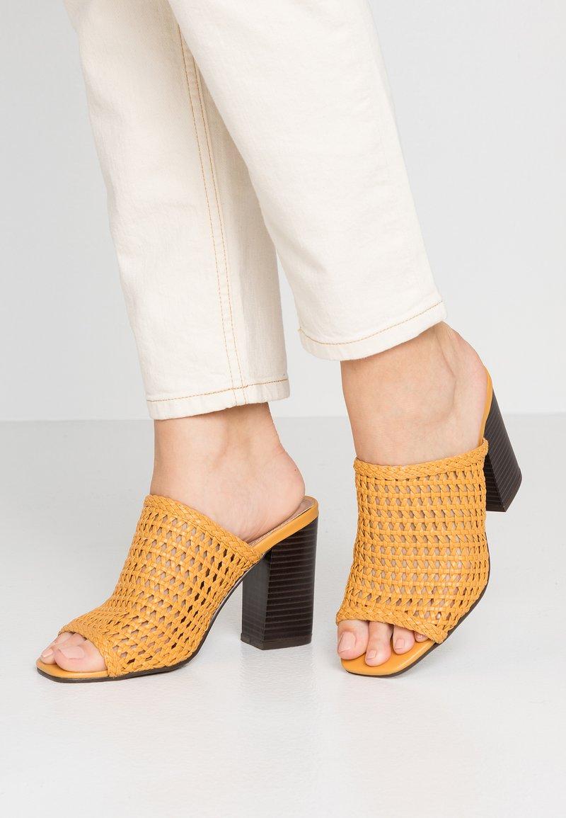 New Look - PREVALE - Heeled mules - dark yellow