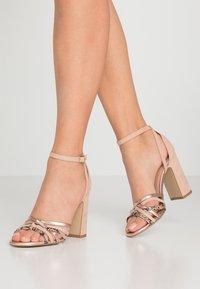 New Look - TWEEST - Korolliset sandaalit - oatmeal - 0