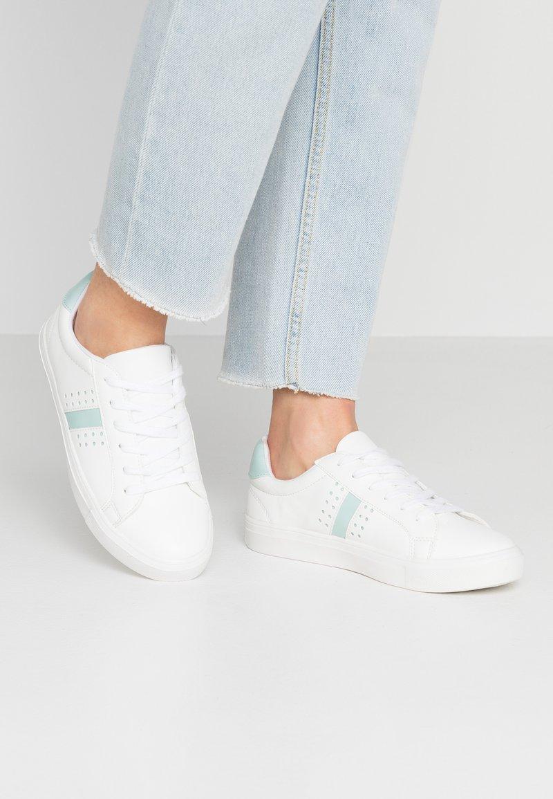 New Look - MIZZLE - Sneaker low - white